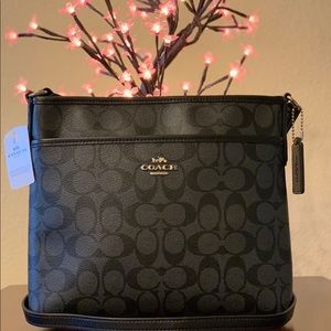 NWT🖤Coach Signature Zip File Crossbody